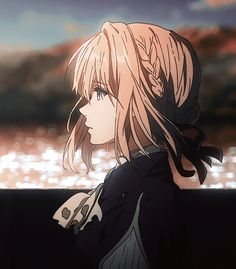 Violet Evergarden Got me deep in the feels Anime Gifs, Anime Art, Violet Evergarden Wallpaper, Violet Evergreen, Violet Garden, Violet Evergarden Anime, Japon Illustration, Gif Animé, Animated Gif