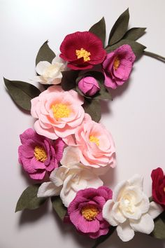 Crepe paper camellia wreath, handmade by Papetal