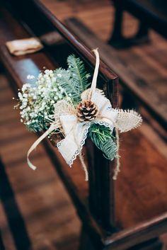 Atmosfera accogliente, decorazioni naturali e tanto fai da te per questo bel matrimonio in invernale, con le più belle bomboniere di stagione mai viste!