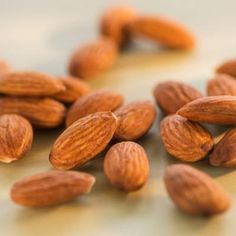 almond packs - High-Protein Snacks You Can Eat On the Go - Health Mobile+ Protein Packed Snacks, Healthy Protein Snacks, Healthy Foods, Healthiest Foods, Healthy Recipes, Delicious Recipes, Diet Recipes, Yummy Food, Best Foods For Energy