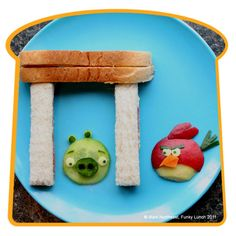 I'm aware that this is geared towards kids, but I am the only adult out there who wants to play with her food like this?