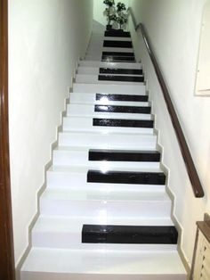 Até na escada...