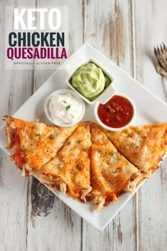 This Cheesy Gluten Free & Keto Chicken Quesadilla Recipe can be Made in Under 20 Minutes! It's Incredibly Easy to Make and Tastes Just Like a Traditional Mexican Style Quesadilla. The Low Carb and Keto Cheese Shell is a Perfect Fit for this Classic Ketogenic Recipes, Low Carb Recipes, Easy Keto Recipes, Health Recipes, Keto Crockpot Recipes, Sugar Free Recipes Dinner, Fat Free Recipes, Keto Smoothie Recipes, Dessert Recipes