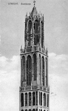 De noord-en de westgevel van de Domtoren te Utrecht