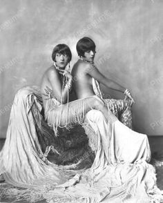 Dolly Sisters Show Girls Vintage 8x10 Reprint Of Old Photo 2 Dolly Sisters Show Girls Vintage 8x10 Reprint Of Old Photo 2 Alfred Cheney Johnston (April 8, 1885 - April 17, 1971) was a New York City-ba