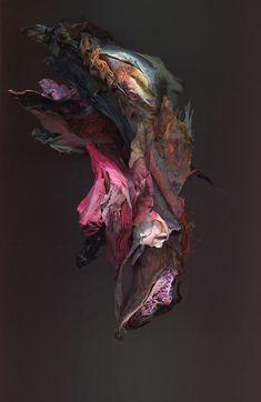 A artista plástica KIM KEI tem um talento incrível para transformar objetos descartados em obras de arte abstrata. Ela cria impressionantes esculturas, cheias de texturas e uma elegante paleta de c…
