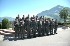 Schweizer Armee Uniformen 2. Weltkrieg  Ordonnanz 1926/40 www.kostueme-bs.ch Gruppenbild aus der SRF Produktion Alpenfestung -Leben im Reduit. #patsuniform #ww2 #swissarmy #schweizerarmee #wk2 #alpenfestung