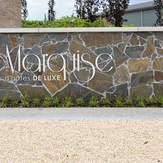 Tuinmuur La Marquise - Flagstones. Marquise, Flagstone, Home Decor, Porches, Decoration Home, Room Decor, Paving Stones, Home Interior Design, Home Decoration