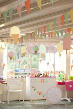 Ice Cream Party and we love this soft and light Ice Cream Cart Party . First Birthday Parties, First Birthdays, Summer Birthday, Birthday Ideas, 3rd Birthday Party For Girls, Kid Parties, Birthday Month, Diy Birthday, Festa Party