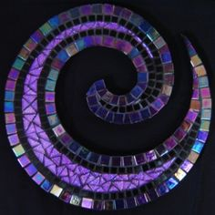 spiral mosaic love the colors! Mosaic Diy, Mosaic Crafts, Mosaic Projects, Mosaic Glass, Mosaic Tiles, Fused Glass, Mosaics, Mosaic Mirrors, Tiling