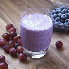Blueberry Grape Banana Smoothie Recipe Beverages with milk bananas red grape grapes blueberries honey Protein Smoothies, Diet Smoothie Recipes, Protein Shake Recipes, Good Smoothies, Fruit Smoothies, Vitamix Recipes, Protein Shakes, Smoothie Ingredients, Milkshake Recipes