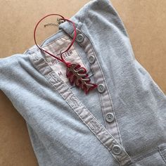 Hollister top A medium size, gray color, medium sleeve top from hollister. 💕MORE BUNDLES MORE DISCOUNTS💕👛PRICE NEGOTIABLE👛 Hollister Tops Sweatshirts & Hoodies