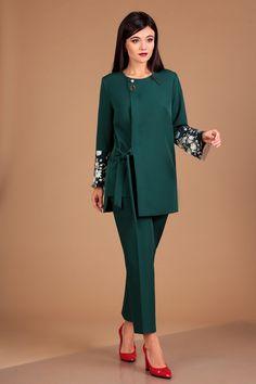 Женский костюм для офиса и торжества. Осенний костюм из новой коллекции.
