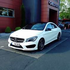 Awesome Amazing cars images are offered on our website. look at this and you wont be sorry you did. Mercedes Benz Coupe, Mercedes Benz Convertible, Mercedes Benz Cla 250, Mercedes Benz Autos, Custom Mercedes, Mercedes Benz Models, Benz Car, Mercedes Benz Wallpaper, Cute Cars