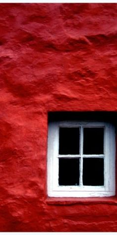 Red wall, La petite S*****, SS/12 Reference, gorgeous texture and tone x