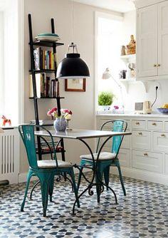 Tolix de rêve.chairs with encaustic floor