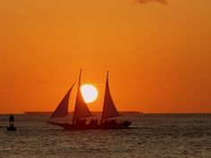 Sailing into the sunset along the Florida Keys. Stop at Key West for some Key Lime Pie, Ernest Hemingway sites, & Cariloha at the base of the Westin Hotel on Front St.