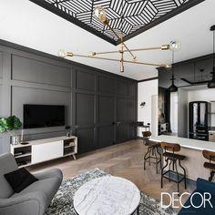 Lar de um casal de meia idade, este apartamento compacto combina no décor, assinado pelo escritório Interjero Architektūra, características originais de imóvel do século XX com estilos moderno, vintage e industrial.