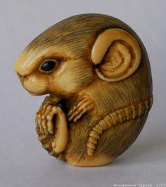 Мышка клубочком