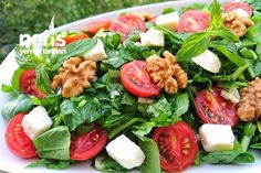 Muhteşem Roka Salatası – My Pin Caprese Salad, Cobb Salad, Turkish Salad, Wie Macht Man, Food Platters, Turkish Recipes, Light Recipes, Bon Appetit, Diet