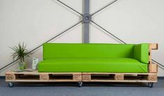 Recycled Pallet Sofa on Wheels