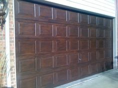 every spare moment: Time Underestimated - Faux Wood Garage Doors Faux Wood Garage Door, Garage Door Paint, Garage Door Windows, Garage Door Makeover, Garage Door Design, Aluminium Doors, Exterior Remodel, Exterior Paint Colors, Reno