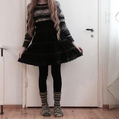 ootd // outfit // skirt // pale // aesthetic // outfit ideas // long hair