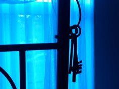 Les clés de mon cœur! Curtains, Home Decor, Insulated Curtains, Homemade Home Decor, Blinds, Draping, Decoration Home, Drapes Curtains, Sheet Curtains