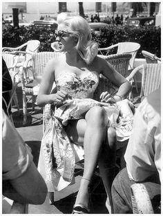 lipstickstainedlove:    atomictantrum:    pinkielaide:    Jayne MansfieldatCannes,1958    No… This is Diana Dors    def diana