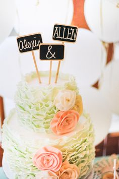 Wedding Cake Topper | Photography: Kayla Adams & Co.
