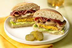 Mpls Lucy Turkey Burger - put a new spin on your burger with this turkey cheesy favorite! Turkey Burger Recipes, Turkey Burgers, Jennie O Turkey, Good Burger, Burger Bar, Turkey Breast, Dinner Recipes, Dinner Ideas, Lunch Ideas