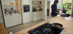 Look!  A Peek at Nigel Slater's Kitchen</em