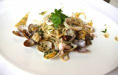 Linguine Morelli con Calamari , Vongole Veraci e Bottarga di Tonno. #alcristo #verona