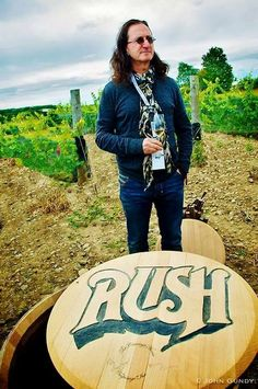 Geddy and Grapes  I want one of those barrel lids !!