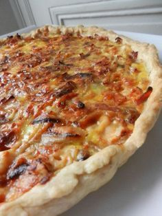 Onion bacon cheese pie C gourmet secrets Quiche Recipes, Tart Recipes, Easy Cake Recipes, Healthy Dinner Recipes, Onion Recipes, Quiches, Omelettes, Cheese Tarts, Flan