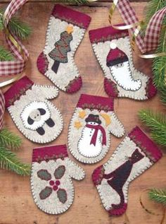 Wichelt Imports Inc. » Kits » Rachel's of Greenfield » Christmas Woolens