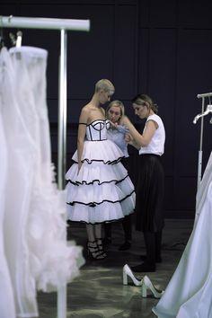 #shooting #preparation #proces #behindthescenes #weddingdress #chanel #look #blacktrim #velvet #trimming