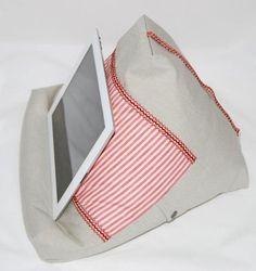 Tablet Kissen, Halter für Tablet und Buch von Accoutrements-by-Ortlieb via dawanda.com