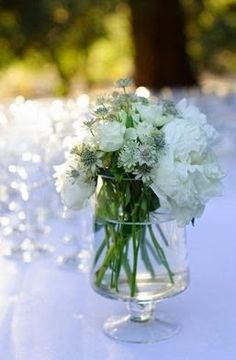 Recortes Decorados: FLORES PERFECTAS PARA TU BODA Glass Vase, Table Decorations, Furniture, Home Decor, Cut Outs, Wedding, Flowers, Decoration Home, Room Decor