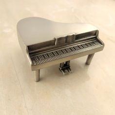 Miniatur Musikinstrumente aus Zinn Klavier 6x5x3 cm Horn 7x2,5 cm Saxophon 8,5x3 cm Waldhorn 8,5x3,5 cm Tuba 7,5x3,5 cm Trompete 7x1,5 cm #JOY #Einzelstücke #Geschenkartikel #Miniatur #Miniaturmusikinstrumente #Musikinstrumente #instrument #Zinn #Horn #Klavier #piano #Saxophon #saxophone #Trompete #trumpet #Tuba #Waldhorn #frenchhorn #Geschenk #Geschenkidee #gift #freudeschenken #Musik #Musiker #music #musician #MusicalInstruments #tin #sammlerstücke #collectibles #dekoration…