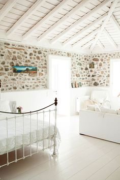THE TRAVEL FILES: A GREEK ISLAND HOME   THE STYLE FILES