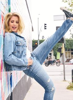 New Emily Bett Rickards HQ pics of her photoshoot for the Rikers Brothers [x] Felicity Smoke, Native American Actors, Emily Bett Rickards, Female Poses, Celebs, Celebrities, New Kids, Celebrity Pictures, Supergirl