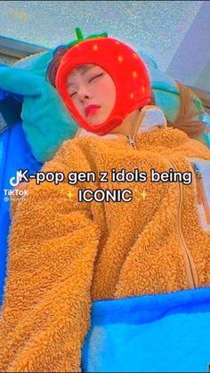 Jin Dad Jokes, Funny Kpop Memes, Pinterest Memes, Kpop Guys, Korean Language, Pop Bands, Bts Korea, Meme Faces, Funny Moments
