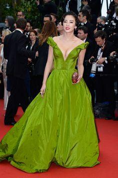 Zhang Yuqi Off-the-Shoulder Dress - Zhang Yuqi Looks - StyleBistro