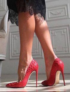 Black dress + red hig heels