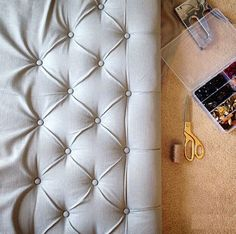 Great tutorial on How To Make A Diamond Tufted Headboard - Before After DIY Diy Tufted Headboard, Diy Headboards, Diy Leather Headboard, Headboard Decor, Headboard Designs, Furniture Makeover, Diy Furniture, Furniture Design, Home Crafts