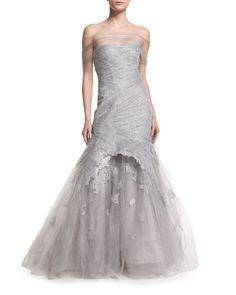 W09Y3 Monique Lhuillier Off-the-Shoulder Lace Gown, Silver
