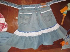 Jeans apron, blue ric rack with lace. The Romantic Gardener! Denim Aprons, Jean Apron, Cheer Skirts, Porch, Craft Ideas, Romantic, Sewing, Trending Outfits, Lace