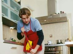 Cómo hacer una limpieza barata y ecológica de la cocina