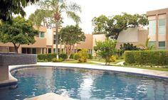 Si compras una casa con alberca, no tendrás una mejor oportunidad para estrenarla ahora que se acerca el verano. #casasencuernavaca